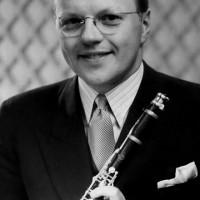 Redland, Charles – altsaxofonist, klarinettist, trombonist, trumpetare, vibrafonist, arrangör, kompositör, orkesterledare