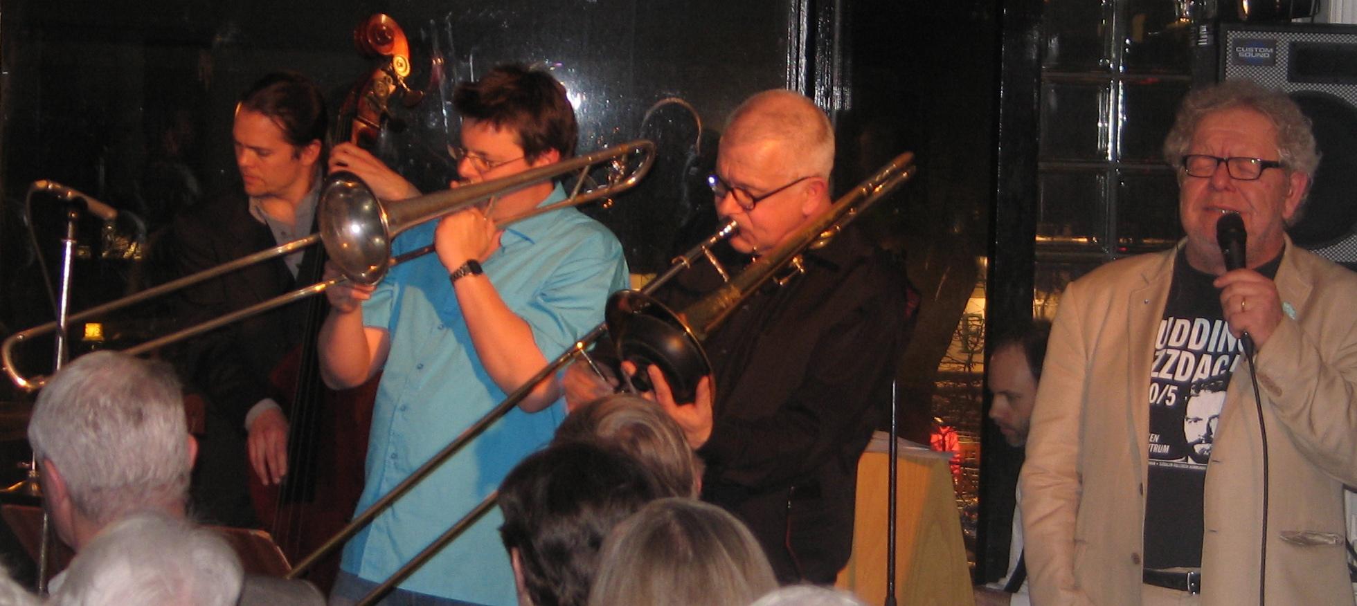 Klassiskt band på klassisk mark! (Foto: Elvis Dean)