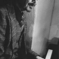 """Bagge, Lars """"Lasse"""" – pianist, fagottist, kompositör, textförfattare, arrangör, sångare med mera"""