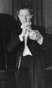 Wolter, Allan – trumpetare, basist, sångare, orkesterledare