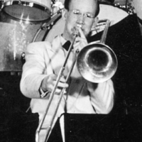 """Skogehall, Bror """"Skogis"""" – trombonist, trumslagare"""