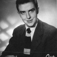 Linde, Ulf – vibrafonist, kompositör, konstkritiker, författare, museiman, professor